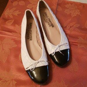 Paul Mayer Attitudes Ballet Flats, bow/ size 8.5B
